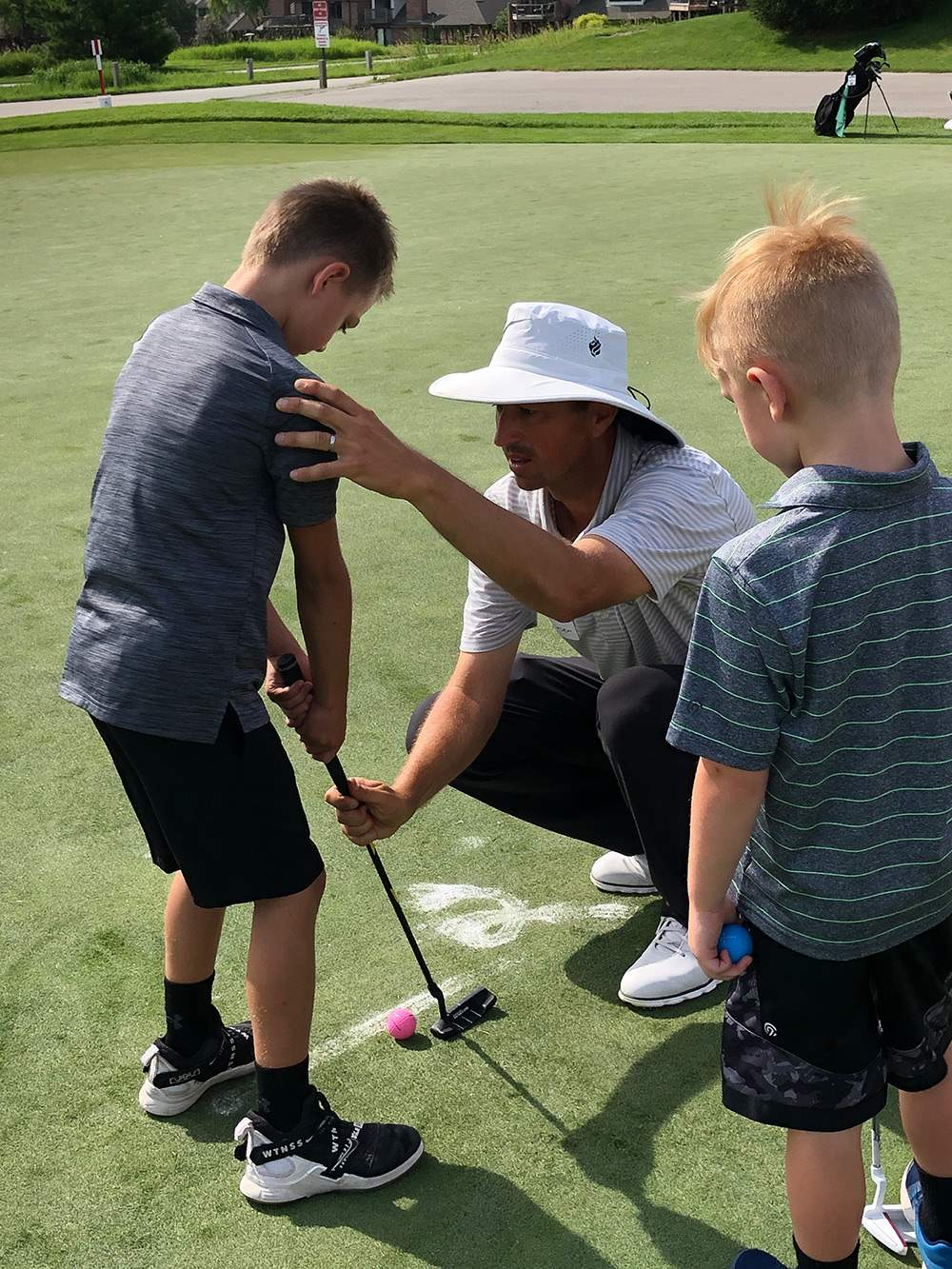 Junior-Golf-Putting-Lesson-2